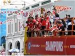 """Tuyển Singapore được chào đón như những """"người hùng"""""""