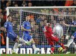 VIDEO: Người cũ Wright-Phillips buộc Chelsea ôm hận ở Loftus Road
