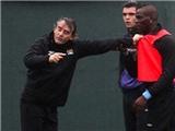 """Những thành tích """"bất hảo"""" của Balotelli trên đất Anh"""