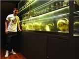 Messi khoe chiến tích ở nhà mới