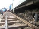 Tàu hỏa trật đường ray, hàng nghìn khách thoát nạn