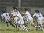 """Bóng đá Việt Nam và giấc mơ không bị """"đánh thuế"""""""