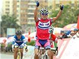 Giải xe đạp Cúp truyền hình TP.HCM 2013: Áo vàng lại đổi chủ