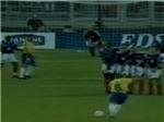 VIDEO: Chiêm ngưỡng lại cú sút phạt có một không hai của Roberto Carlos