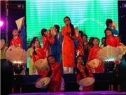 VIDEO: Phương Mỹ chi hát liền 3 bài trong show của PSY nhí