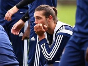 Andy Carroll chấn thương, lần thứ 2 bỏ lỡ giai đoạn đầu mùa giải