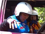 Nữ xế già Thái Lan thử thách xế trẻ