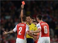Arsene Wenger: 'Thẻ đỏ cho Debuchy là quá nặng'