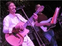 Ca sĩ Quang Vĩnh: Người hát nhạc Pháp ở Sài Gòn