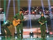 Tạ Quang Thắng - Thùy Chi hát 'Trường Sơn đông, Trường Sơn tây' gây tranh cãi nảy lửa