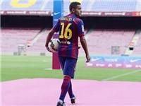 Douglas, sự bổ sung gây ngạc nhiên của Barca