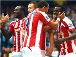Cựu 'Quỷ đỏ' Diouf khiến Man City ôm hận ngay tại Etihad