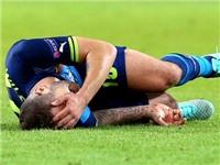 Arsene Wenger bồn chồn sợ tin dữ sau trận thua thảm Dortmund