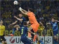 'Cứ chơi như trận gặp Dortmund, Arsenal sẽ chết'