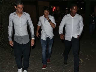 Không đá Champions League, sao Man United rủ nhau tiệc tùng