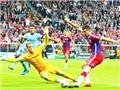 3 điểm nhấn Bayern - Man City: Người hùng Boateng. Thất vọng Mueller. Đáng khen Joe Hart.
