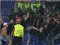 Hai CĐV Nga bị thương vì bạo động trong trận Roma-CSKA Moskva