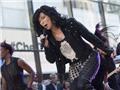Cher bị kiện vì phân biệt chủng tộc