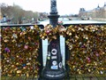 Paris 'giải cứu' cầu Pont des Arts khỏi khóa tình yêu