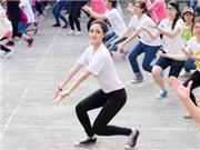 Giới trẻ Hà Nội hăng say luyện tập lập kỉ lục 1000 người nhảy