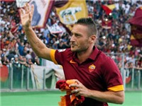 Góc nhìn: Totti là cảm hứng, nhưng tuổi trẻ mới là sức mạnh
