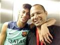 Cha Neymar dùng chiêu mới để lách luật FIFA?