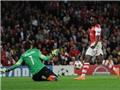 CẬP NHẬT tin sáng 2/10: Welbeck lập hat-trick đầu tiên cho Arsenal. Liverpool thua đau, Balotelli lại dở chứng