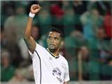 Demba Ba, Samuel Eto'o ghi bàn. Bóng đá Italy đại thắng