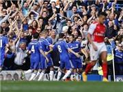 CHÙM ẢNH: Arsenal thảm bại ở Stamford Bridge, Wenger xô đẩy Mourinho