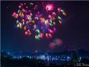 Hà Nội lung linh trong đêm pháo hoa