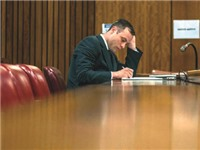 Oscar Pistorius: Án phạt 5 năm, ngồi tù 10 tháng?