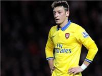 Man City mua Oezil, còn Arsenal có Higuain?