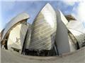 Bảo tàng tư nhân Louis Vuitton: Một kỳ quan bằng kính và thép