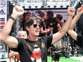 HLV xuất sắc nhất năm: Chuyện của Ancelotti, Loew và Simeone