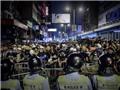 Biểu tình 'chặt đôi' làng giải trí Hong Kong