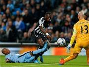 Man City thua sốc Newcastle, mất cả Silva lẫn Toure trước derby Manchester