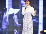 Văn Mai Hương phản biện khôn khéo khi bị chê hát không bằng Hồng Nhung