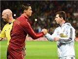 Mâu thuẫn ư? Messi và Ronaldo bắt tay đầy thân thiện trong đường hầm