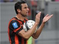 Man United hỏi mua hậu vệ 32 tuổi của Shakhtar Donetsk