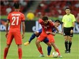 Kiatisuk liều lĩnh, Thái Lan thắng ĐKVĐ Singapore 2-1