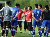 Tuyển Việt Nam luyện khả năng bắt bóng sệt cho thủ môn