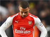 Arsenal: Ngẩng đầu lên mà đá bóng