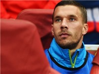 Podolski: 'Tôi không phải là thằng hề suốt ngày ngồi ghế dự bị ở Arsenal'