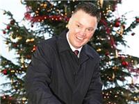 Louis Van Gaal thắp ánh sáng cho Giáng sinh