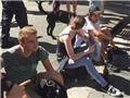 Phẫn nộ vì 'tự sướng' ở hiện trường vụ bắt con tin Australia