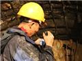 Vụ sập hầm thủy điện tại Lâm Đồng: Bơm ô xy, truyền thức ăn xuống hầm