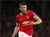 Michael Carrick: 'Man United vẫn có thể vô địch. Đá trung vệ cũng không phải là vấn đề'