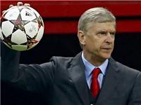 Wenger: 'Ai bảo tôi hà tiện? Đi với tôi một đêm sẽ biết ngay'