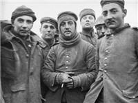 Chuyện lạ lùng đêm Giáng sinh 100 năm trước: Ngày chiến tranh nhường chỗ cho tình người
