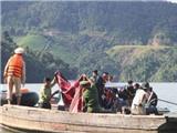 Tìm kiếm nạn nhân mất tích do lật thuyền tại TP HCM